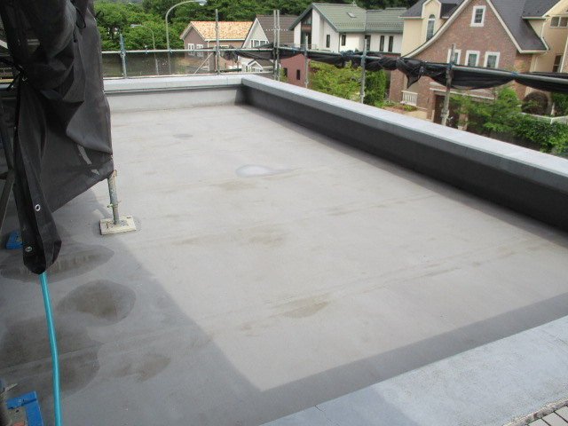 屋上・タイル面高圧洗浄